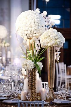 Contemporary & Cosmopolitan Flowers Wedding Flowers Photos on WeddingWire