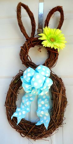 I usually do not like this kind of thing but this Bunny Wreath is so cute and would be darlin' for Springtime!