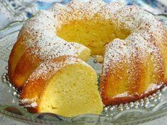 Secret way to the kitchen: Babka jogurtowa - wilgotna i delikatna Cake Recipes, Dessert Recipes, Polish Recipes, Pumpkin Cheesecake, Cakes And More, No Bake Desserts, Cornbread, Doughnut, Baked Goods