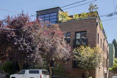Bledsoe Santana Team Realty, LLC Presents: 2222 NW Hoyt St, Portland OR 97210. Paradise found! Secure Luxury Penthouse in small 10 unit building. Spacious floor plan with 12' ceilings. Brazilian cherry floors. Nest Thermostat, LED lighting. Agent related to seller.  Please call Lisa Santana @ 503-930-7793 for more information! Licensed Principal Brokers In OR. MLS#17079891.