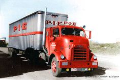 Click this image to show the full-size version. Freightliner Trucks, Gmc Trucks, Big Rig Trucks, Cool Trucks, Truck Drivers, Antique Trucks, Vintage Trucks, Old Lorries, Freight Truck