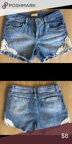 Women's Mudd denim shorts Shorts fit like a size 3 excellent preowned condition Mudd Shorts Jean Shorts
