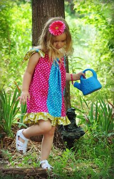 Sewing Patterns for Girls Dresses and Skirts: Pillowcase Dress Sewing Pattern Months to 8 Years) Toddler Sewing Patterns, Sewing For Kids, Baby Sewing, Free Sewing, Sew Baby, Baby Patterns, Pillowcase Dress Pattern, Pillowcase Dresses, Girl Dress Patterns