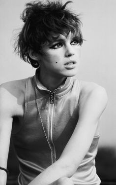 edie sedgwick great hair, great 60's smudged eye