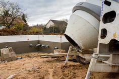Comment faire une dalle béton ? : http://www.travauxbricolage.fr/travaux-exterieurs/terrasse-beton/comment-couler-dalle-beton/