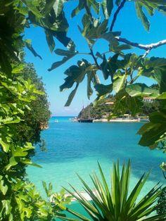 Parga, Greece Beautiful Places To Travel, Beautiful Beaches, Wonderful Places, Mykonos, Santorini Greece, Samos, Greek Flowers, Greece Pictures, Greek Islands