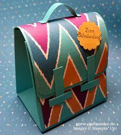 Crafts & Co.: Schulranzen mit dem neuen Stanz- und Falzbrett für... Brother Scan And Cut, Punch Board, Stamping Up, Gift Wrapping, Etsy, Crafts, Bags, Cutting Files, Book Folding