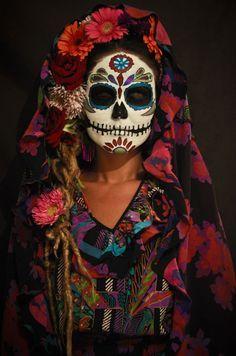 Art Mexicano Calaveras La Catrina Ideas For 2019 Sugar Skull Costume, Sugar Skull Makeup, Sugar Skull Art, Sugar Skulls, Candy Skulls, Halloween Cans, Halloween Make Up, Halloween Costumes, Artistic Make Up