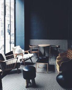 Cafe en Le Marais Paris. Photo by @marieinmay #dcnparis #dcninteriors