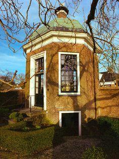 Theekoepel Welgelegen, gebouwd in de 18e eeuw in opdracht van grietman Augustinus Lycklama à Nijeholt.