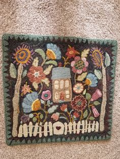 Pattern by Karen Kahle Embroidery Needles, Knitting Needles, Cross Stitch Embroidery, Rug Hooking Designs, Rug Hooking Patterns, Latch Hook Rugs, Hand Hooked Rugs, Textiles, Penny Rugs