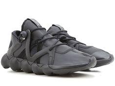 #Sneakers #Adidas Y-3 in tessuto tecnico nero - Mod. KYUJO LOW BB4736 link negozio :http://ift.tt/2pVx0yd  Materiale esterno: tessuto tecnico Colore principale: nero  Materiale interno: tessuto  Materiale suola: gomma Collezione: Autunno / Inverno 2016-2017 Availability :Disponibile Product Code :KYUJO LOW BB4736 prezzo boutique 33000   prezzo offerta fashiondrugs.com  22900   -31% #risparmio : 101