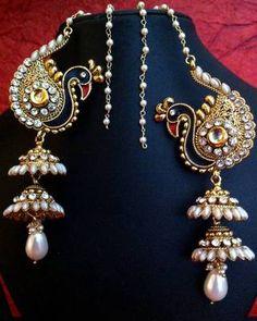 I found this beautiful design on Mirraw.com