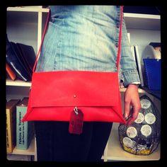 Modelo Aida Messenger Bag, Satchel, Bags, Templates, Handbags, Crossbody Bag, Bag, Backpacking, School Tote