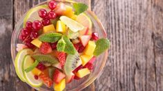 A new study published in the journal PLOS Medicine shows that eating fruits daily may also help in reducing the risk of diabetes significantly.