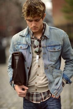 - with a light blue denim jacket gray cardigan brown plaid button up shirt brown leather bag ray ban glasses blue jeans Denim Jacket Fashion, Mens Fashion, Men Denim Jacket Outfit, Jacket Jeans, Stylish Men, Men Casual, Casual Menswear, Look Man, Mode Jeans