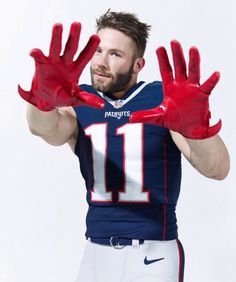 Patriots are Life Gronk Patriots, Edelman Patriots, New England Patriots Football, Julian Edelman, Nfl Football Players, Rugby Men, Babe, Hot Cheerleaders, Sport Man