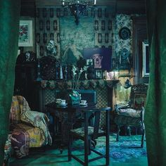 My Chelsea Hotel apartment by Martyn Thompson - Secondhand Rose Victorian Rooms, Victorian Gothic, Victorian Decor, Gothic Lolita, Dark Bohemian, Bohemian Decor, Cabana Magazine, Magical Room, Chelsea Hotel