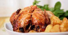 Recette de Pintade de fête légère au curcuma, pommes et petits suisses. Facile et rapide à réaliser, goûteuse et diététique.