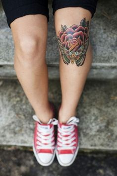 Cute Knee Tattoo | http://wonderfultatoos.blogspot.com