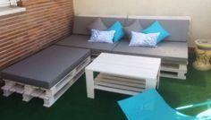 Un conjunto para el balcón hecho con palets