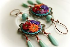 frida kahlo earrings by Chili Crab, via Flickr