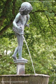 Brunnenfigur vor der Oper in Oldenburg