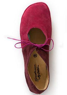 2f65c655a0f Mokassins aus Veloursleder Leichter Schuh aus weichem Veloursleder. In das  schlichte