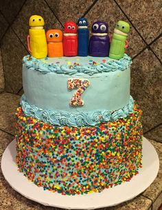 Storybots birthday Cake, rainbow colors