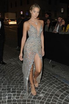 Look of the Week featuring Rihanna in Fenty x PUMA, Halle Berry in David Koma, Jasmine Sanders in Berta And More! Sexy Dresses, Prom Dresses, Formal Dresses, Jasmine Sanders, Fashion Figures, Special Occasion Dresses, Urban Fashion, Dress To Impress, Celebrity Style