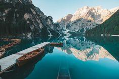 Pragser Wildsee: Tipps & Infos für den schönsten Bergsee der Dolomiten | Reiseblog BEFOREWEDIE.DE Places To Go, Puzzle, Italy, Adventure, Instagram, Wallpaper, Nature, Travel, Outdoor