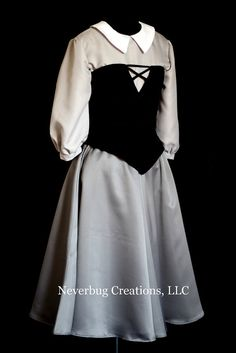 Briar Rose Sleeping Beauty Custom Costume by NeverbugCreations Disney Princess Dresses, Disney Dresses, Cosplay Outfits, Cosplay Costumes, Rose Costume, Aurora Costume, Work Appropriate Halloween Costumes, Sleeping Beauty Costume, Sunday Clothes