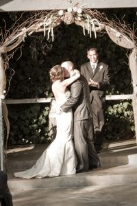 burlap and lace arch!?