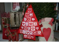 Shabby Chic/Vintage Red Christmas Tree Advent Calender