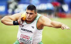 medalhas portuguesas atletismo 2016 - Pesquisa Google Portugal, Running, Sports, Olympic Games, Hanging Medals, Men, Domingo, Europe, Sport