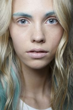 No mascara, just colourful brows at Badgley Mischka: http://beautyeditor.ca/2014/09/17/badgley-mischka-spring-2015-makeup