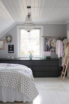 homes - norway house: bedroom with grey wall and white ceiling and white floor Gray Bedroom Walls, Home Bedroom, Bedroom Decor, Bedroom Ideas, Bedroom Green, Bedroom Storage, Grey Walls, Slanted Ceiling Bedroom, Slanted Walls