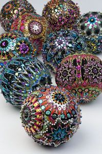 My Note- could do this with NDN print fabric or pendleton embellish with beads and three dimensional paint - beautiful fabric covered and bead encrusted ornaments from Benartex free pattern Beaded Christmas Ornaments, Christmas Balls, Handmade Christmas, Christmas Crafts, Christmas Decorations, Diy Ornaments, Felt Christmas, Sequin Ornaments, German Christmas