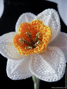 Yarn Flowers, Knitted Flowers, Cloth Flowers, Burlap Flowers, Crochet Flower Patterns, Crochet Patterns For Beginners, Diy Flowers, Knitting Patterns, Love Crochet