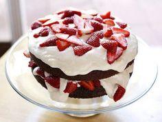 Strawberry chocolate Chocolate Strawberry Cake, Chocolate Strawberries, Strawberry Cakes, Disney Instagram, Instagram Girls, Landscape Illustration, Illustration Art, Cupcake Cakes, Cupcakes