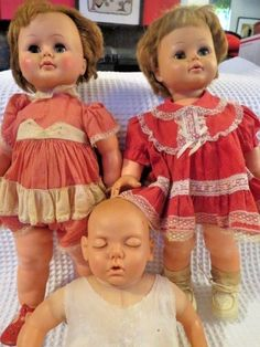"""Vintage 1960s pair of twins """" Kissy """" Doll K-21-L Ideal Toy Corp USA 22"""" Tlc #ManufacturedbyIdealToyCorp #DollwithDressBonnet"""