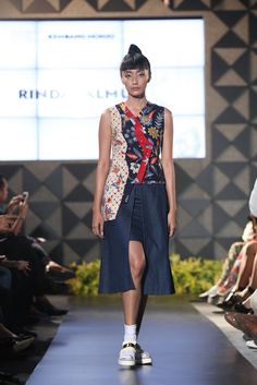 Rinda Salmun Waist Skirt, High Waisted Skirt, Kebaya, Skirts, Style, Fashion, Fabrics, Moda, High Waist Skirt