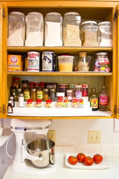 Kitchen Organization & Cleaning Tips