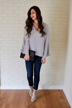 Grey Bell-Sleeves + On Mondays We Link-Up - Trendy & Tidy