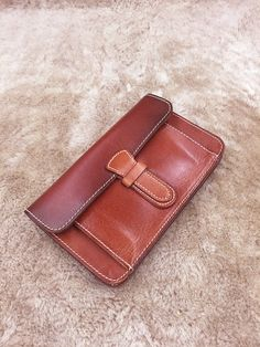 * Its handmade using genuine cow leather nubuck. * One main pocket for bill,4 card slot,one for coins and one outside pocket. * We need 3-5 days to finish the wallet before we can delivery. * High quality and extremely durable cow leather for long lasting and everyday use. * Here are the features of this awesome wallet: --- Length - 7.1 (18cm ) --- Width - 4.3 (11cm) --- Depth(empty) - 0.8 (2cm) You can also get customized products from us, give us your requirement about products (leathe...