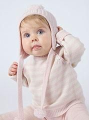 The holidays are just around the corner! Here are a few pieces that would make perfect gifts for baby girls. Cashmere striped raglan sweater in pink and creme, paired with matching cashmere pant and hat. Perfect items to unwrap on Christmas day!