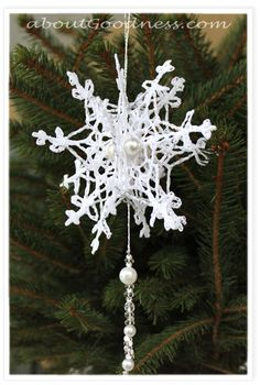 Crochet_snowflake_pattern_3D - I will be making these for Christmas presents! Too gorgeous and they look super simple to make