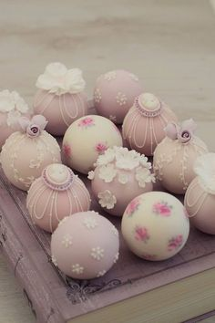 Wedding Cake Wedding Cakes Cake Pops Wedding New Cake Pop Wedding Display to Cake Pops Wedding in Wedding Cakes Ideas Wedding Cake Pops, Luxury Wedding Cake, Wedding Cakes With Cupcakes, Wedding Cake Designs, Wedding Cake Toppers, Cupcake Cakes, Macaroons, Elegant Cake Pops, Elegant Cakes