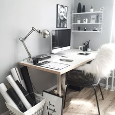 31 White Home Office Ideas To Make Your Life Easier; home office idea;Home Office Organization Tips; chic home office. Home Office Design, Home Office Decor, Desk Office, Office Ideas, Desk Ideas, Workspace Desk, Desk Setup, Office Nook, Office Inspo