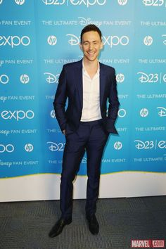 Tom Hiddleston backstage at D23 Expo